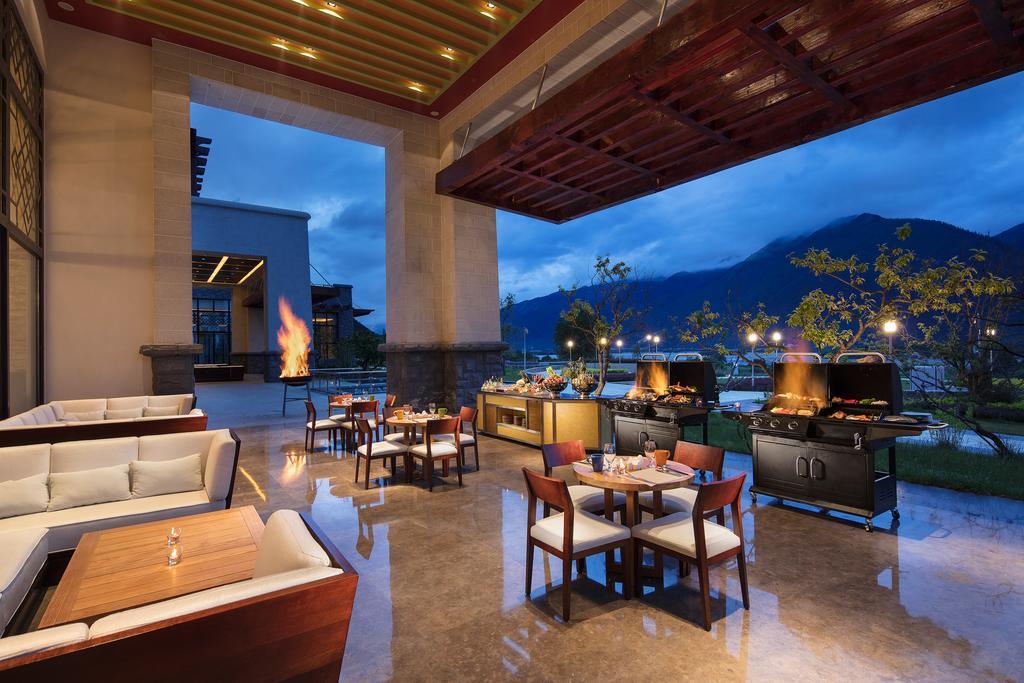 西藏林芝工布庄园希尔顿酒店